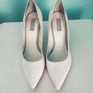 White pointed toe kitten heels